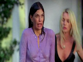 Desperate Housewives - Every Day a Little Death - Garden shower