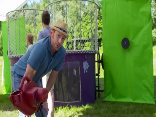 Verizon dunk tank ad