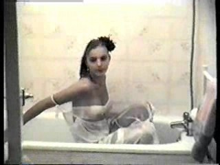 Mirrel in the bath