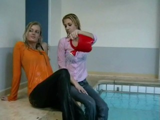 Wetclothinggirls Lindsay and Sanne