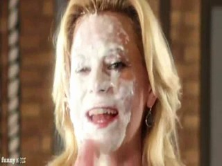 Elizabeth Banks Gets 20 pies in the face