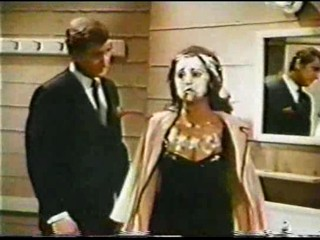 Marlo Thomas pied in  'That Girl'